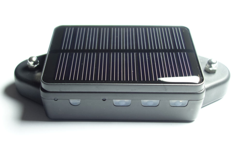 gps sender mit solarpanel und haltemagnet solar gps tracker mit standort bermittlung per sms. Black Bedroom Furniture Sets. Home Design Ideas